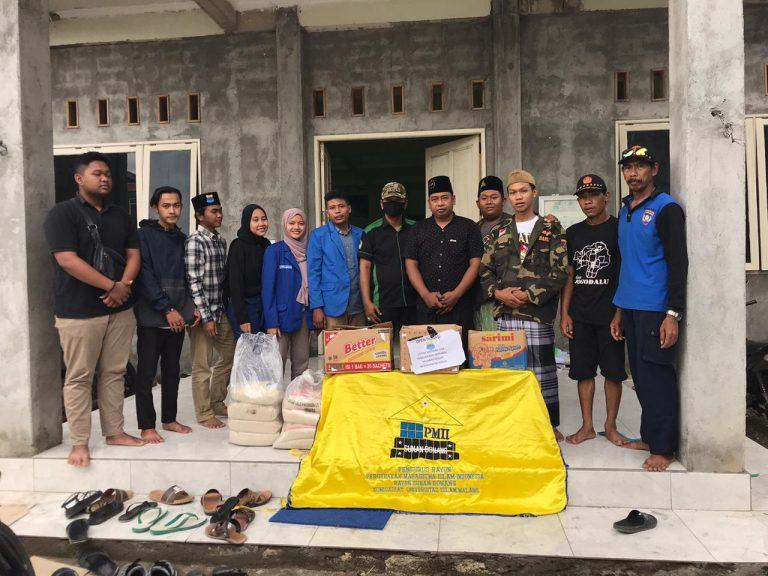 PMII Rayon Sunan Bonang Salurkan Bantuan Sosial Pada Masyarakat Terdampak Banjir Bandang Di Gresik