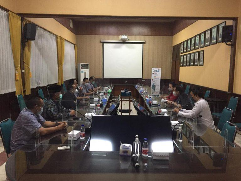 Penuhi Janji. Gabungan Asosiasi Pengusaha Malang Raya Beli 3,4 Ton Gula Lokal