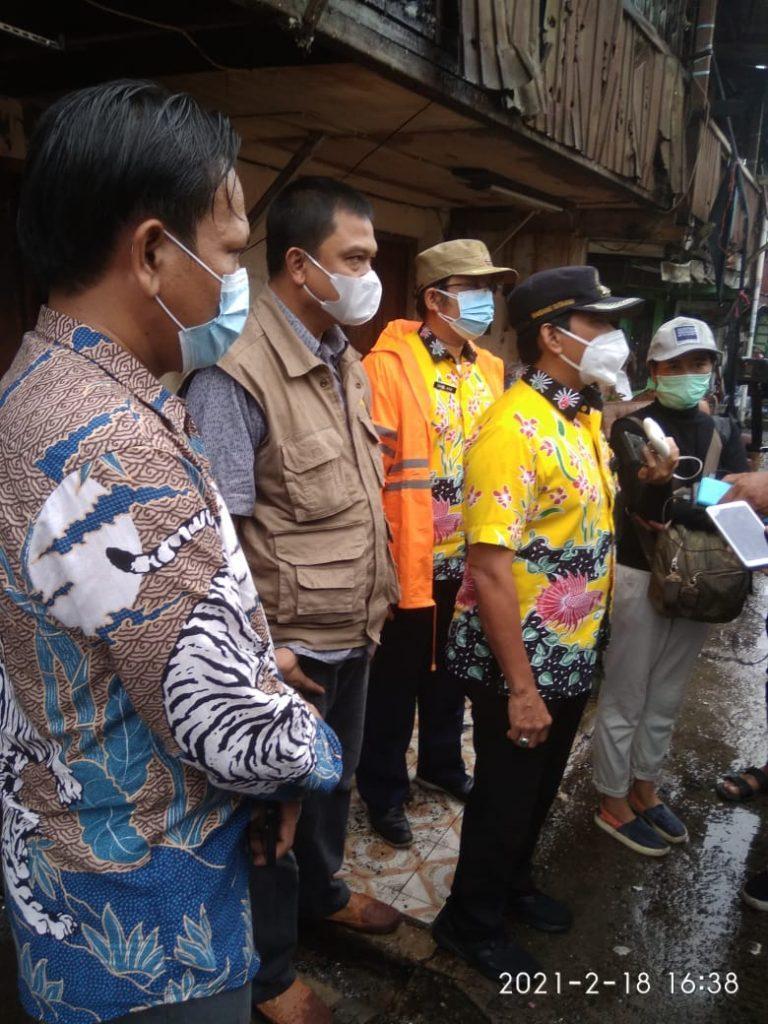 FKDM Jakarta Barat Berikan Bantuan Kepada Korban Kebakaran Kelurahan Kali Anyar